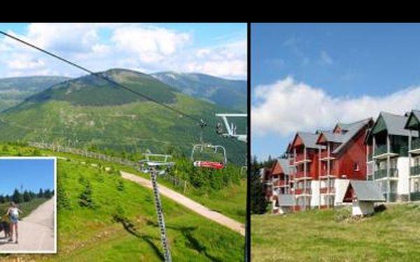 Vyraž spolu s rodinou nebo kamarády do Krkonoš se slevou 34 %! Ať už miluješ kola, horskou turistiku nebo dáváš přednost lenošení, ve Špindlerově Mlýně si to užiješ.