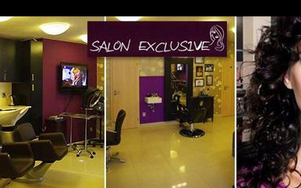 Dámy, buďte zase šik díky luxusnímu kadeřnickému balíčku v profesionálním Salonu Exclusive s výjimečnou slevou 73 %: Komplexní péče o vaše vlasy za pouhopouhých 199 Kč!