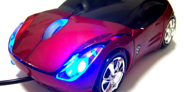 Originálna počítačová myška v tvare autíčka v rôznych farbách. Poteší každého chlapca aj dospelého milovníka áut.