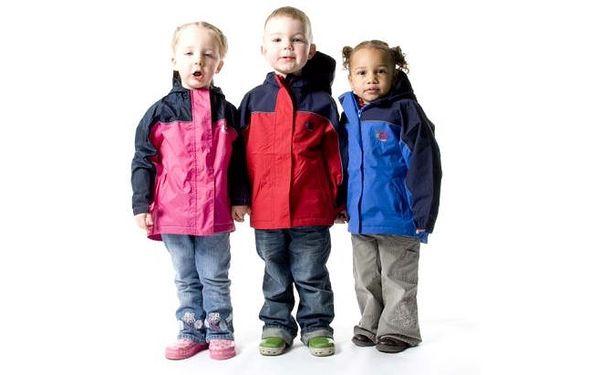 Nepromokavá, pohodlná bunda s 30% slevou pro malé děti! Kvalitní profi značka Bush-Baby. Vhodná téměř po celý rok.