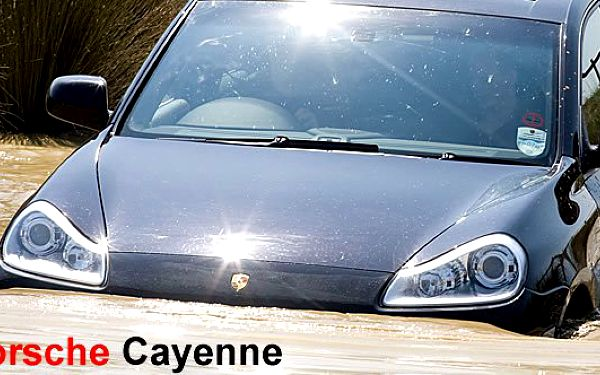Protáhněte auto za 2,5 milionu prachem a blátem - zážitková jízda v Porsche Cayenne SUV! Za jedinečnou cenu 999Kč.