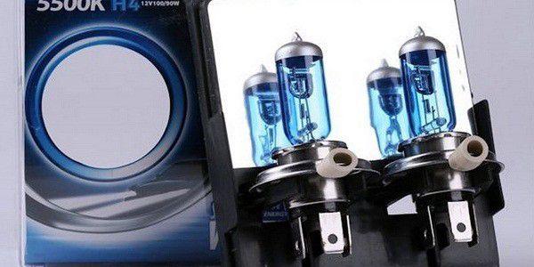 2 ks xenonových autožárovek, které svítí krásným bílým světlem a mají až o 100% větší svítivost než klasické halogenové žárovky!