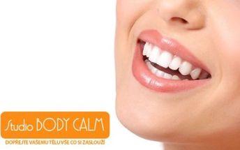 Oslnivě zářivý úsměv, jakým se chlubí i hollywoodské hvězdy, můžete mít i vy! Unikátní dvoufázová technologie bělení zubů z USA je šetrná, rychlá a efektivní. S 57% slevou za úžasných 1 690 Kč a jako bonus obdržíte výraznou slevu na bělící tužku!
