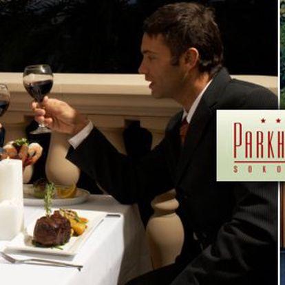 2970 Kč za třídenní romantický pobyt s polopenzí pro DVA v Parkhotelu Sokolov. Wellness dovolená uprostřed zámeckého parku s 50% slevou.