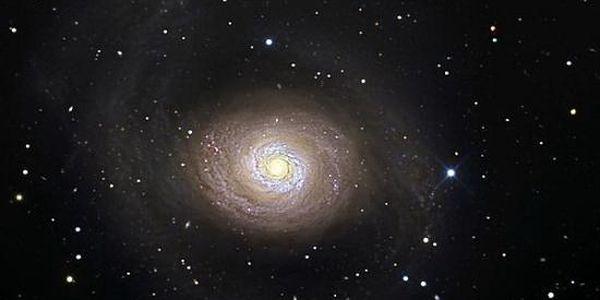 Přednáška na téma Hypnóza, 3. oko, změna vědomí, paralelní vesmíry a mimozemský život za 240kč. Sleva 40%!