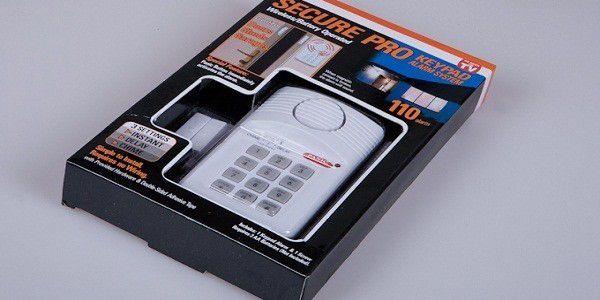 Jednoduchý alarm, který můžete nainstalovat na okno nebo dveře. Velmi jednoduchá instalace nevyžadující žádné znalosti a zkušenoti! Pouhé 200 Kč Vám může zachránit majetek za statisíce. A zloději se ani neškrtnou!