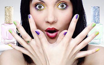 Odměňte své každodenně namáhané ruce a zaujměte jejich upraveným vzhledem. Podtrhněte tak svůj ženský půvab díky komplexní péči pro ruce a nehty nyní jen za 319 Kč. Nová nehtová modeláž či její doplnění + zdobení ZDARMA + relaxační masáž! Fantastická sleva 50 %!