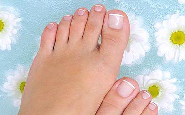 Dopřejte si podzimní pěstící ošetření nohou se 40% slevou. Pedikúra včetně masáže a parafínový zábal nohou nebo rukou. Přijďte a nechte se hýčkat v SALONU FASHION.