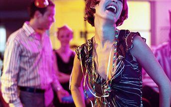 Čeká Vás prodloužená, ples nebo jiná slavnostní událost anemáteco na sebe? Využijte naší jedinečné nabídky 60% slevy na zapůjčení společenských šatů a staňte se na jeden večer princeznou!Krásné šaty, které z Vás udělají královnu plesu za 950 Kč.