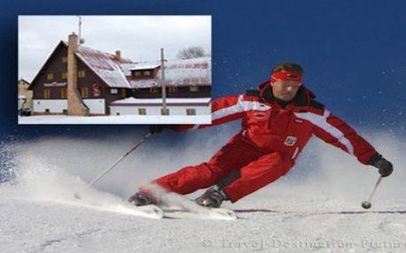LYŽAŘSKÝ TÝDEN v příjemném hotelu se snídaní jen 300 m od nástupu do běžeckých stop, 6 km od Božího Daru a 12 km od SKI areálu Klínovec. Příjemný hotel s rodinnou atmosférou v lyžařském regionu Krušných hor. Užijte si pohodu, super lyžovačku a skvělé výlety po okolí.