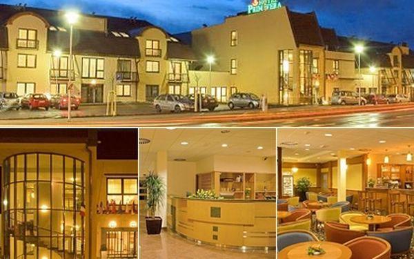 Jen 2190 Kč za SVATOMARTINSKOU ROMANTICKOU NOC pro dvě osoby ve 4-hvězdičkovém hotelu PRIMAVERA v Plzni včetně SVATOMARTINSKÉ ROMANTICKÉ VEČEŘE.