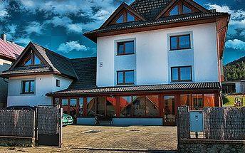 Romantický 3-dňový pobyt pre 2 osoby v útulnom penzióne TEPLIČKA so zľavou 50%! V cene ubytovania raňajky, večera so sviečkami, masáž, sauna a krásne prostredie malebnej dedinky Liptovská Teplička! CityKupón platí do 30. 1. 2012!