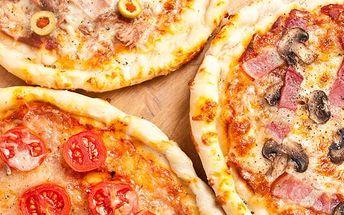 Až 50% sleva na 2 libovolné pizzy dle Vaší chuti v restauraci CANADA PUB. na výběr máte celkem 33 druhů výborné pizzy a už záleží jen na Vás, kterou si vyberete.