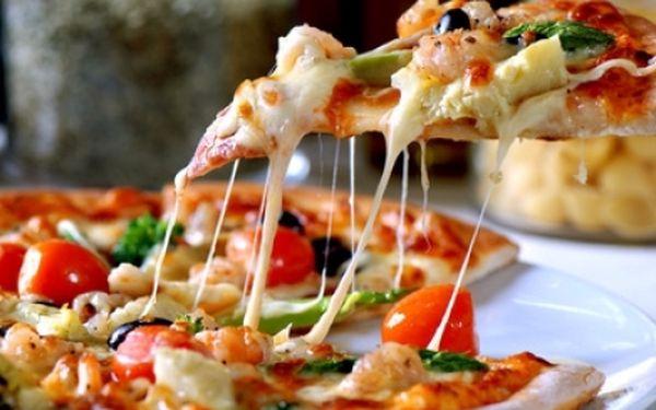 VŠECHNY pizzy se slevou 60% v PRAVÉ italské pizzerii! Za pouhých 29 Kč získáte slevový kupón na VŠECHNY vynikající pizzy (výběr z 20 druhů od 54 Kč) v Pizzerii Papá Giovanni v centru Prahy! Metro Můstek!