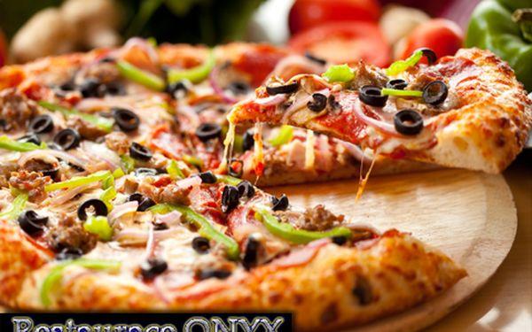 Chutný oběd či večeře? Ano! Nyní s 50% slevou na dvě pizzy dle výběru zákazníka. Jen za 105 Kč máte možnost ochutnat hned dva druhy. Můžete posedět, nebo odnést s sebou!