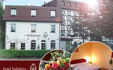 Ochutnejte staročeskou kuchyni a zažijte atmosféru 17. století v historickém stylu hotelu Valdštejn. Pobyt s 50% slevou se snídaní ve dvoulůžkovém pokoji na 2 noci a košík ovoce na pokoji.