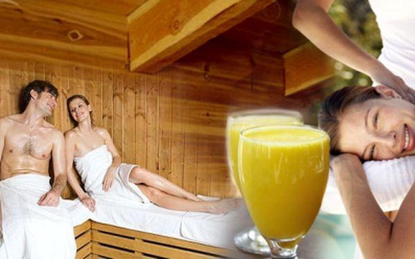 Relaxační večer pro dva za super cenu! 2x sauna, 2x juice a 2x uvolňující masáž, to vše za neuvěřitelnou cenu, pouhých 399 Kč pro dvě osoby! Naberte síly se slevou 51%!