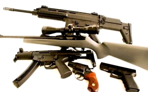 Akční střelba z originálních vojenských zbraní