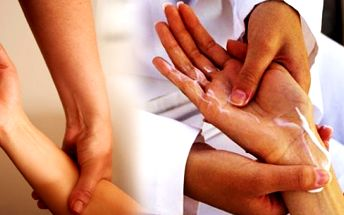 Masáž rukou a předloktí vás zbaví ztuhlosti svalů na rukách promasírováním paží a předloktí včetně jednotlivých prstů. Přijďte si k nám odpočinout přímo v centru Prahy!