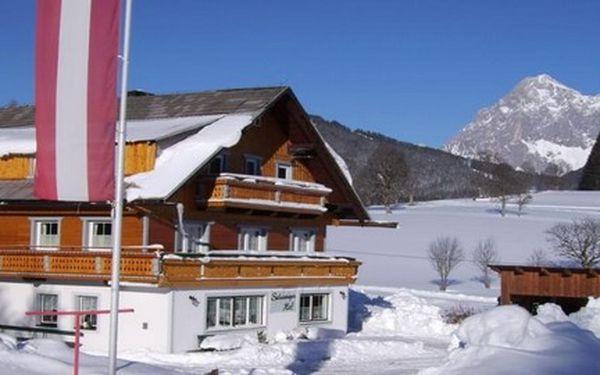 SILVESTR v ALPÁCH! Oslavte Vánoční svátky a konec roku 2011 v rakouských Alpách Penzionu Schweigerhof***! Úžasné lyžování, skvělé jídlo, pití a sváteční atmosféra jsou neopakovatelným zážitkem!