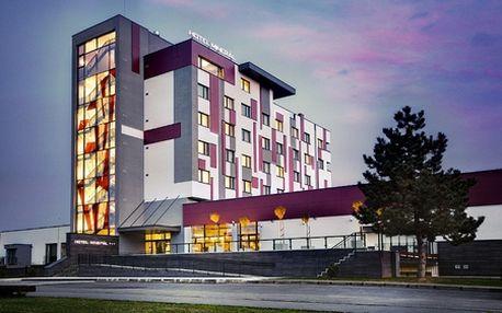 4-dňový luxusný SILVESTROVSKÝ pobyt v modernom hoteli Minerál***! Komfortné ubytovanie, skvelá gastronómia, relax vo wellness a nezabudnuteľná silvestrovská zábava v srdci Dudiniec so zľavou 40%!