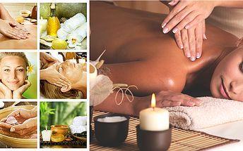 KRÁLOVSKÁ MASÁŽ, je kombinací několika masážních postupů a technik. Masérky používají palce, dlaně lokty, kolena a chodidla. Ve druhé části se na pokožku přikládají horké sáčky s thajskými bylinami a kořením. A na závěr je celé tělo podrobeno relaxační olejové masáži. Velice příjemná masáž při které vyzkoušíte všechny techniky thajských děvčat.