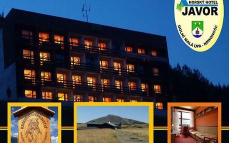 Barevný podzim v horském hotelu Javor v Malé Úpě se slevou 50 %! 2 x ubytování a polopenze jen za 690 Kč! V ceně kulečník, fotbálek, slevy na masáže, přepravu a mnohem víc!