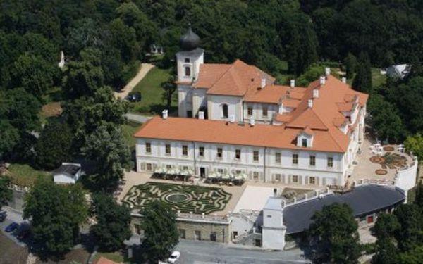 Jen 1899 Kč za kouzelný dvoudenní pobyt pro DVA na zámku Loučeň!