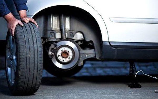 Kompletní zimní přezutí auta včetně vyvážení a kontroly brzd