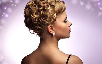 Mějte plesový účes jako popelka jen za 250 Kč. Profesionální kadeřnice vám vykouzlí pohádkový účes + navíc poskytnou regenerační masku pro krásné vlasy úplně ZDARMA!
