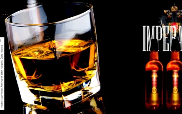 Single Grain Whisky Imperator s 50 % slevou! 3 x 0,7 l 40 % whisky s jemnou chutí brandy. Speciální akce přímo od výrobce originální české whisky!Neváhejte, sudy s whisky nebudou plné navždy...