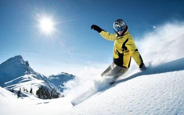 Velký servis lyží nebo snowboardu. Kompletní příprava na zimu – úprava skluznic, broušení a základový parafín