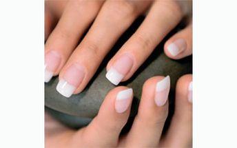 Salon Linda nabízí doplnění francouzských gelových nehtů a následné zdobení kamínkem , čárkou, nebo třpytkami za neuvěřitelných 199 Kč!!
