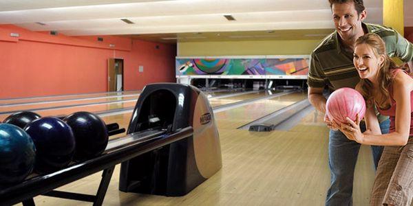 289 Kč za DVĚ hodiny bowlingu v Hradci Králové. Zahrajte si s partou kamarádů a užijte si spoustu skvělé zábavy se slevou 54 %.