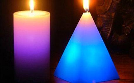 Pravá romantika nastává při svitu svíček - a je ještě kouzelnější, pokud hořící svíčka mění barvu! Kouzelnou svíčku můžete mít jen za 99 Kč! Sleva 51 %!