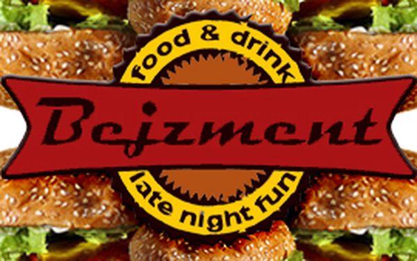 299 Kč místo 489 Kč za rodinné burger menu až pro 4 osoby. 39% off!