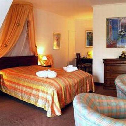 3 dny pro 2 v 4* hotelu se snídaní a večeří! Užijte si pobyt v Krušných horách v Německu