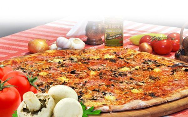 Máte chuť na skvělou pizzu? Jen 95 Kč za MAXI JUMBO PIZZU 45cm! Obří pizza PRO DVA, přímo v centru Prahy na Národní Třídě! Mimořádná sleva 62%, 10 druhů na výběr!