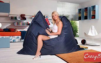 Pořiďte si trendy sedací pytel CrazyBag OUTDOOR s nastavitelnými popruhy o rozměrech 188x140 cm. Perfektní designový doplněk k vám domů nebo skvělý dárek!