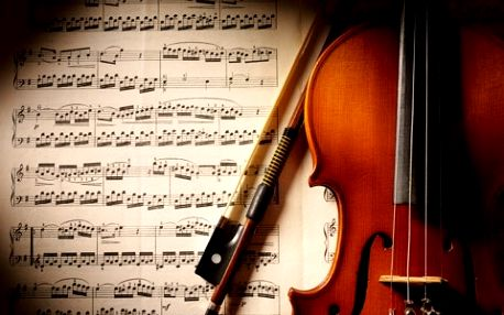 Užijte si noblesní večer ve společnosti Vivaldiho, Bernsteina, Gershwina, Ravela a dalších géniů vážné hudby ve Španělské synagoze! Kupte si lístek se skvělou 50% slevou!