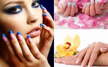 Modeláž nehtů nebo jejich doplnění Vaše ruce v krásné změní. 50% sleva na modeláž a zdobení gelových nehtů ve WELLNESS PERFEKT.