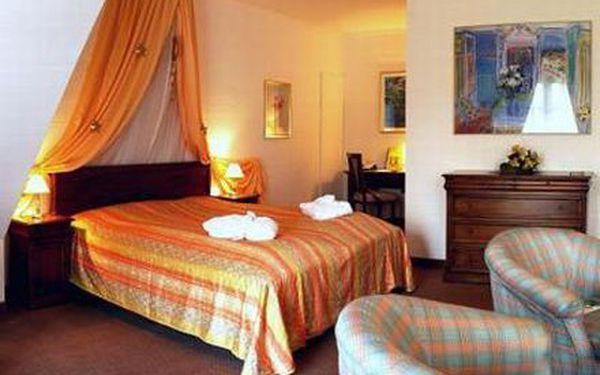 3 dny pro dva v 4* hotelu se snídaní a večeří! Užijte si pobyt v Krušných horách v Německu