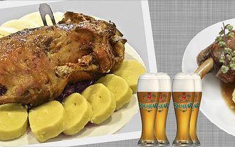 Staročeská pečená kachna, houskový a bramborový knedlík, červené zelí a k tomu 4 piva Smíchov nebo Rychtář!