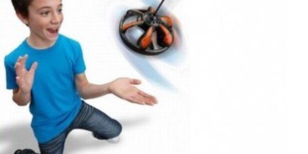Létající UFO Air Warrior, které ovládáte jen rukou. Skvělý dárek pro hravé. Nepotřebujete dálkový ovladač, optimální pro letecké začátečníky.