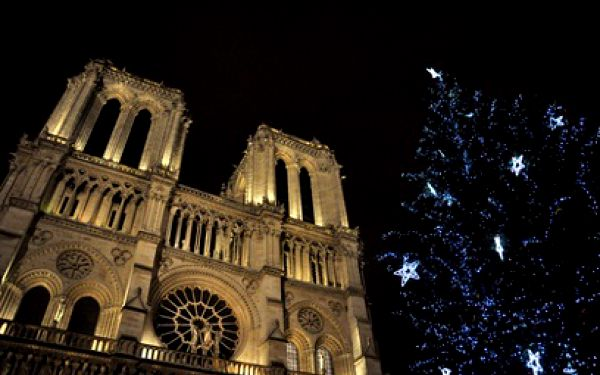 Za nákupy do vánoční Paříže na 4 dny za 2480 Kč! Doprava, ubytování v hotelu a průvodce!