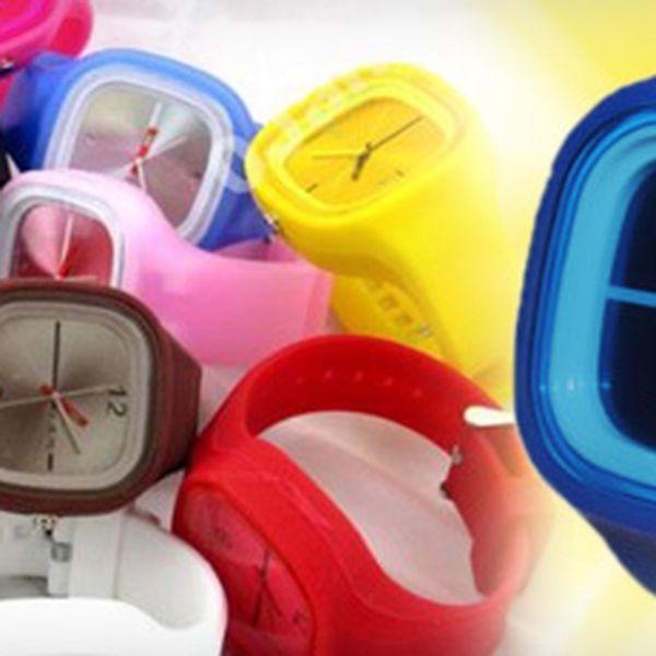 Kvalitní stylové hodinky Z PŘÍJEMNÉHO SILIKONU s 55% slevou jen za 90 Kč!! Módní hit tohoto roku!! 8 barevných variant, systém Quartz!! Nesplývejte s davem!! Buďte barevní!! Vhodné jako dárek!!
