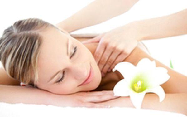 299 Kč místo 650 Kč - Vytvarujte si postavu! Relaxačních 45 minut vakuové baňkové masáže pro formování postavy se slevou 54 %. Detoxikace organismu, zeštíhlení a zpevnění!