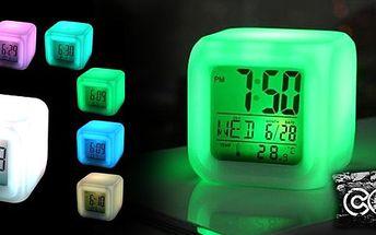 Skvělý dárek pro přátele, rodinu či děti! LED svítící budík s LCD displejem, 8 druhů melodií, 4 svítící barvy, teploměr, kalendář, digitální čas! Vyzkoušejte tento originální dárek