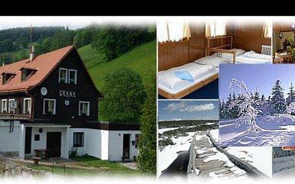1 050 Kč za lyžařský pobyt pro dvě osoby na tři dny s polopenzí v penzionu Piana. Užijte si lyžování v samém srdci Krkonoš, nyní s 46% slevou.