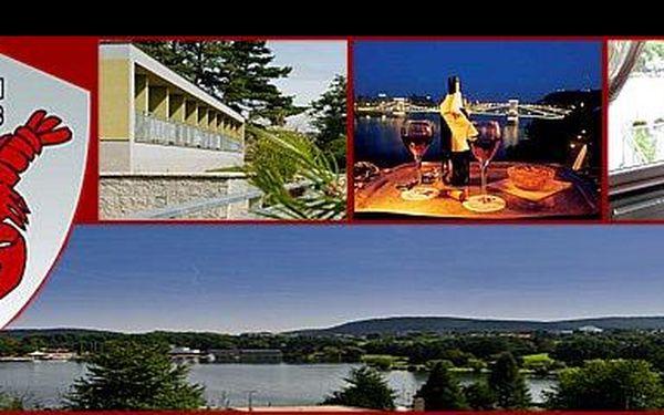 1 118,- Kč za pohádkový pobyt pro 2 osoby na 2 dny s bowlingem, sektem a romantickou večeří, s ubytováním v hotelu Rakovec u Brněnské přehrady, nyní s 51% slevou.